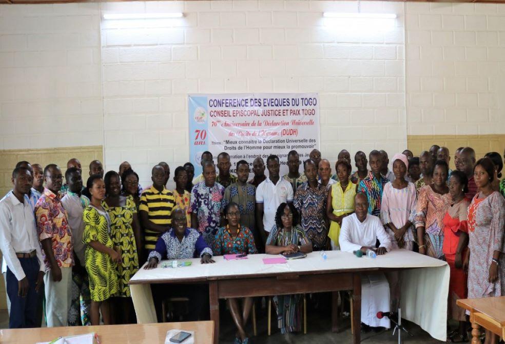 Le CEJP forme les jeunes et les enseignants sur les droits de l'homme